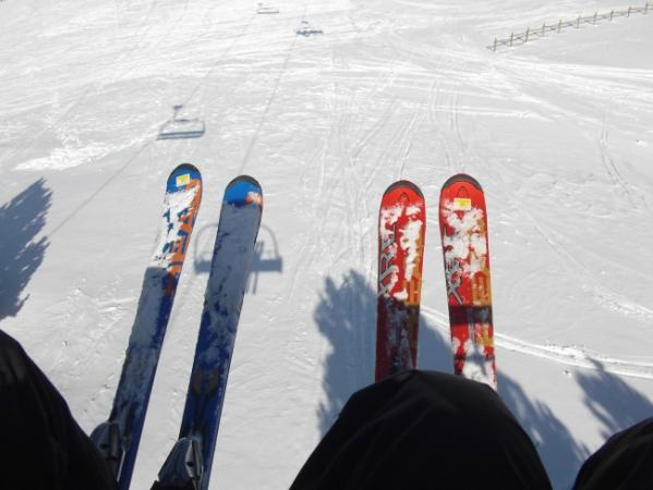 How To Use A Ski Lift On Skis Without Falling On Your Face