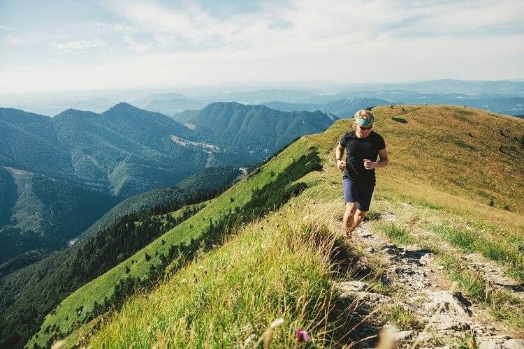 Man fell running mountains